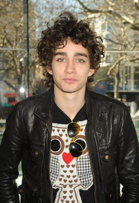 Robert Sheehan Pictures